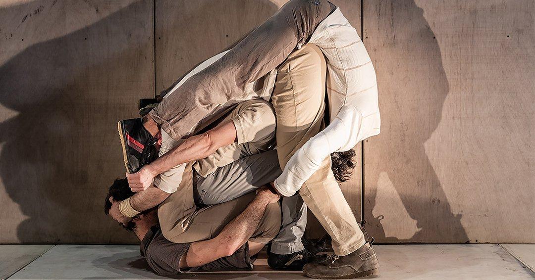 in Tarsi __ Compagnie de Cirque «EIA»